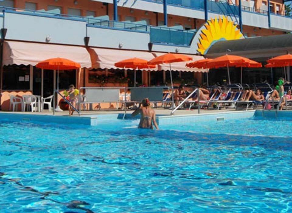 piscina-hotel-serenissima