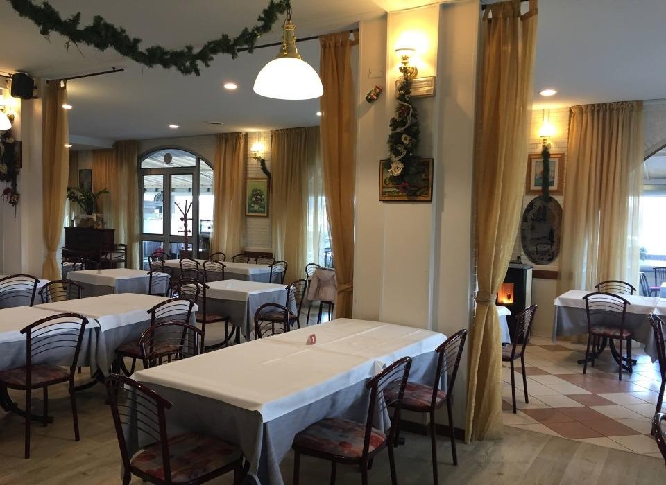 visit cesenatico ristorante Pizzeria La Caveja